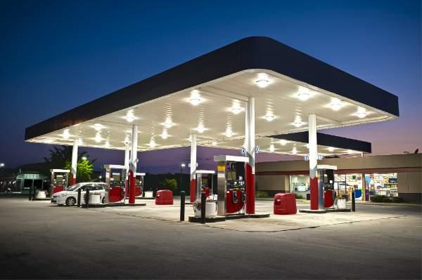 Tankstelle mit Convenience Store
